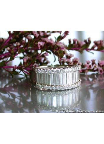 Glorious diamond ring with extra long baguette cut diamonds