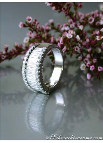Glorious diamond ring with extra long baguette cut diamonds