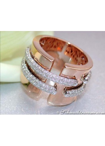 Stately Diamond Ring in Rose Gold 18k