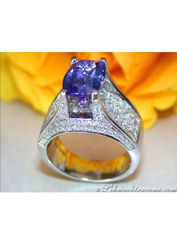 Magnificent Tanzanite Ring with Diamonds