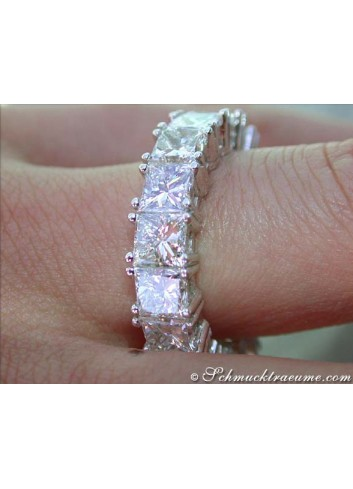 Luxurious Diamond Eternity Ring (9,05 ct.)