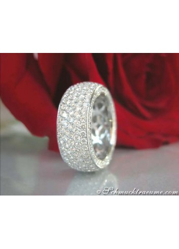 Exclusive Diamond Eternity Ring (4,68 ct.)