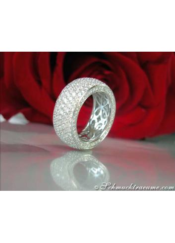 Exclusive Diamond Eternity Ring (4,68 ct.)