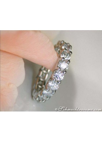 High-end Diamond Eternity Ring