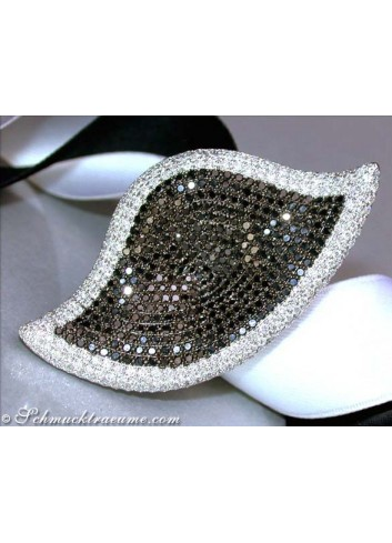 Opulent Black & White Diamond Leaf Style Ring