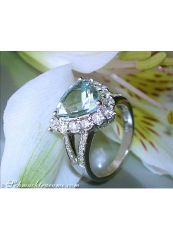Aquamarin Ring mit Brillanten