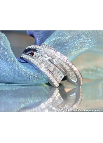 Terrific Diamond Ring in White gold 18k