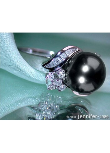 Feminine Tahitian Pearl Ring in Whitegold 18k