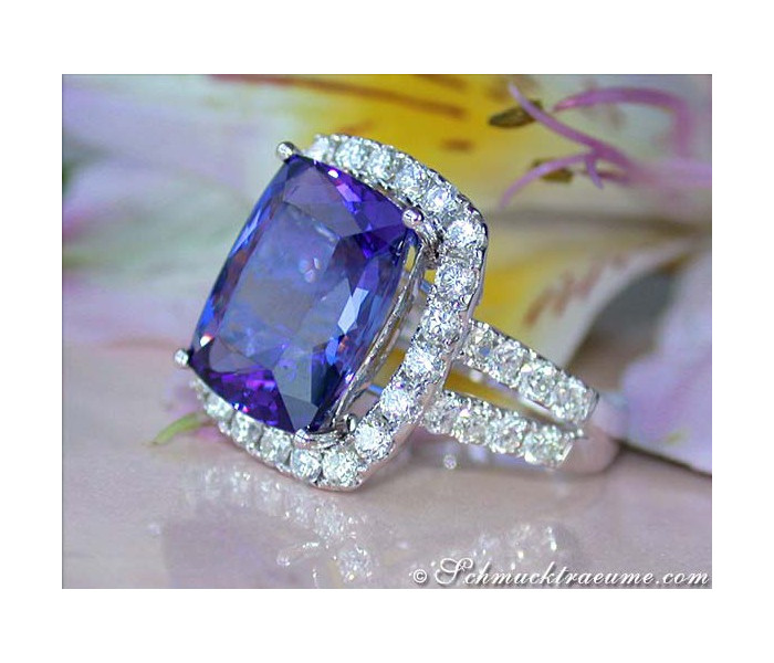 Excellent Tanzanite Diamond Ring