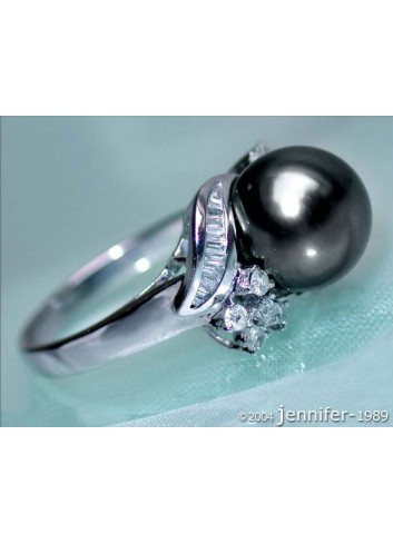 Feminine Tahitian Pearl Ring in Whitegold 18k