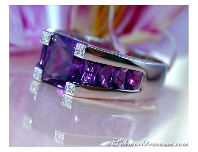 Extravagant Amethyst Ring with Diamonds