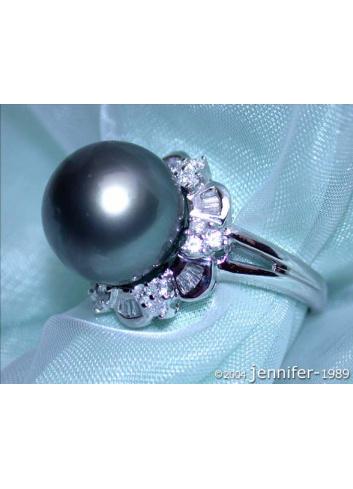 Edler Tahitiperle Ring mit Diamanten (Baguette & Brillant Schliff)