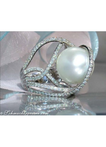 Excellent Southsea Pearl Ring with Diamonds (13 - 14 mm)