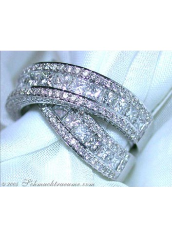 Glorious Diamond Ring (7 ct. tcw)