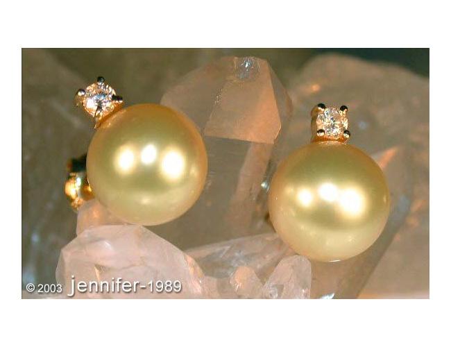 Goldene Südseeperlen Ohrstecker mit Brillanten