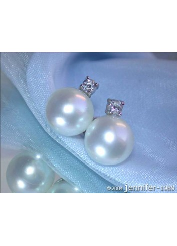 Beautiful Southsea Pearl Studs with Diamonds in White gold 14k