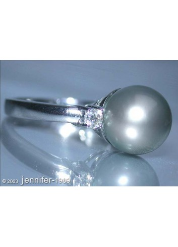 Pretty Tahitian Pearl Diamond Ring