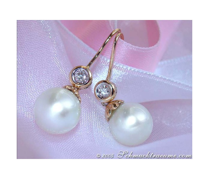 Enchanting Southsea Pearl Hanging Earrings with Diamonds