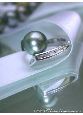 Interesting Tahitian Pearl Ring with Diamonds