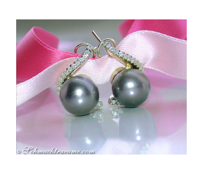 Beautiful Tahitian Pearl Earrings with Diamonds in Yellow Gold