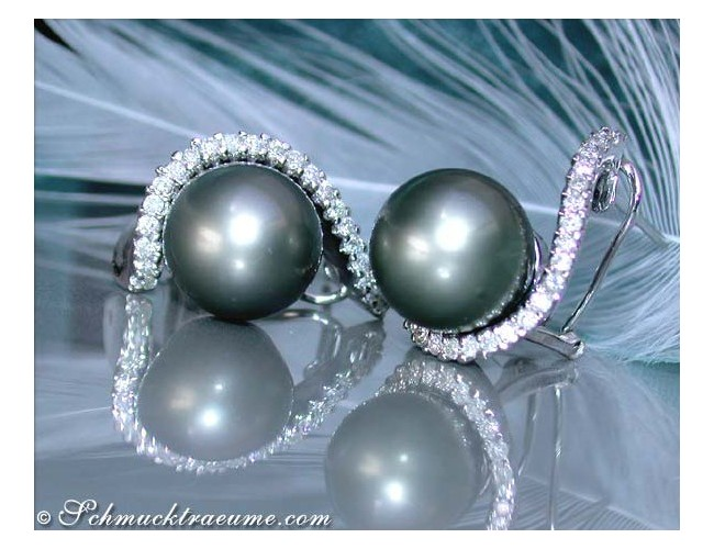 Beautiful Tahitian Pearl Earrings with Diamonds in White gold