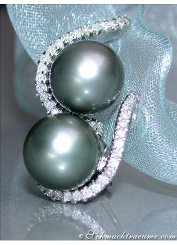 Beautiful Tahitian Pearl Earrings with Diamonds in White gold
