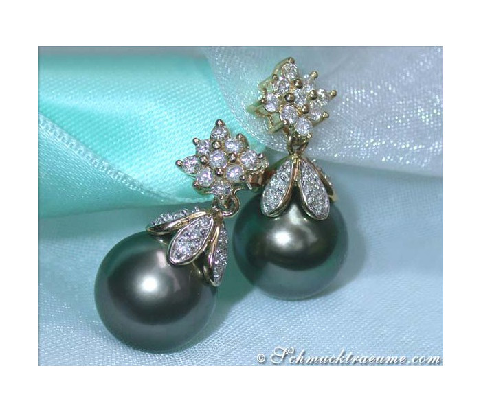 Pretty Tahitian Pearl Earrings with Diamond Squares