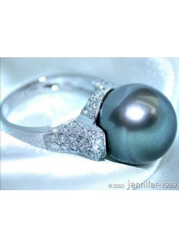 Superb Tahitian Pearl Ring with Diamond Collar