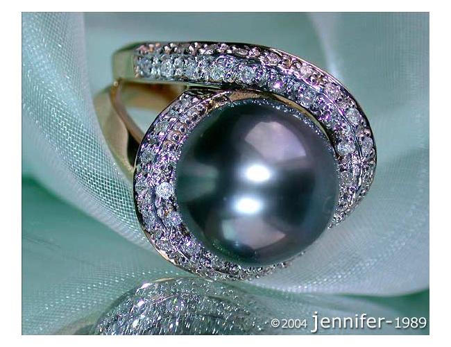 Classy Tahitian Pearl Diamond Ring