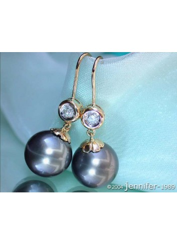 Pretty Tahitian Pearl Earrings with Diamonds in Yellow Gold 14k