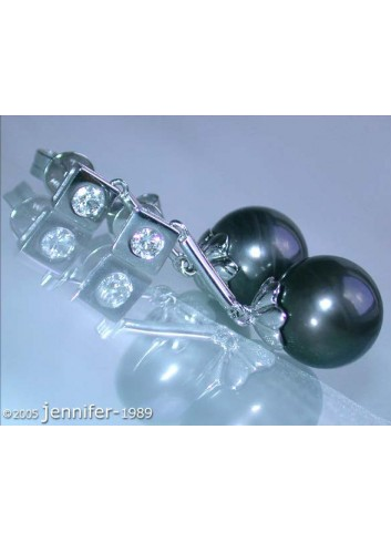 Enchanting Tahitian Pearl Earrings with Diamonds
