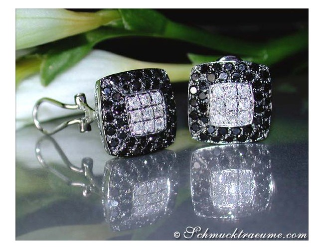 Simple Black & White Diamond Earrings (Square Style)
