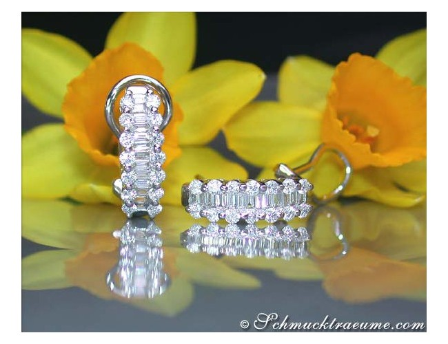 Beautiful Diamond Earrings in White gold 18k