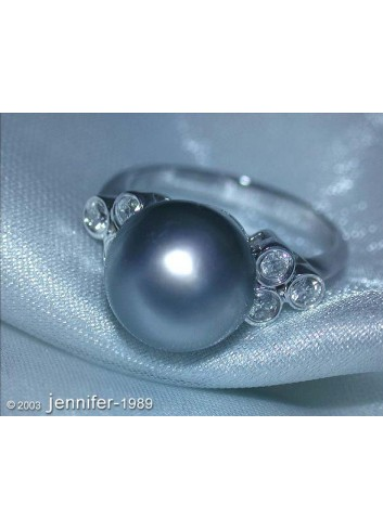 Timeless Tahitian Pearl Ring with Diamonds