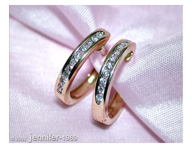Cute Diamond Hoop Earrings in Yellow gold 14k