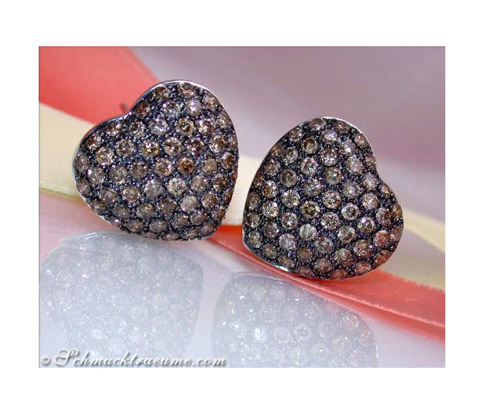 Feminine Heart Earrings with Brown Diamonds