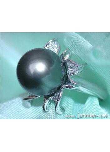 Feminine Tahitian Pearl Diamond Blossom Ring
