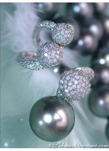 Striking Tahitian Pearl Ring with Diamonds