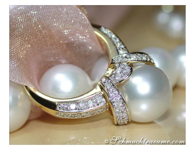 Gorgeous Southsea Pearl Diamond Ring