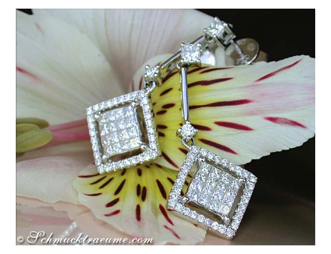 Extravagant Diamond Dangling Earrings (Square Style)