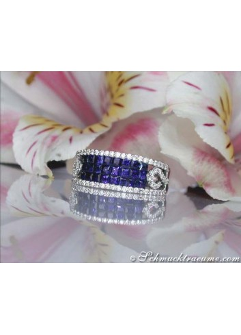 Beautiful sapphire ring with diamonds