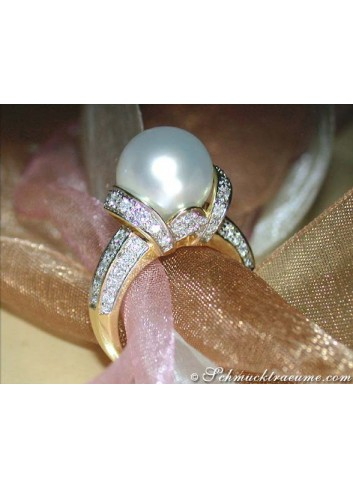 Gorgeous Collar Style Southsea Pearl Diamond Ring