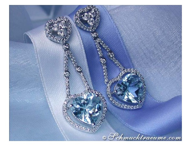 Beautiful Aquamarine Dangling Earrings with Diamonds