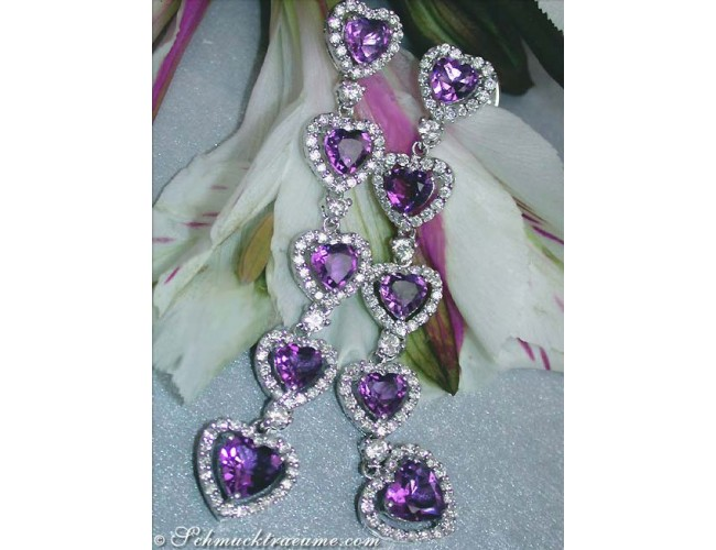 Precious Dangling Earrings with Amethyst Hearts