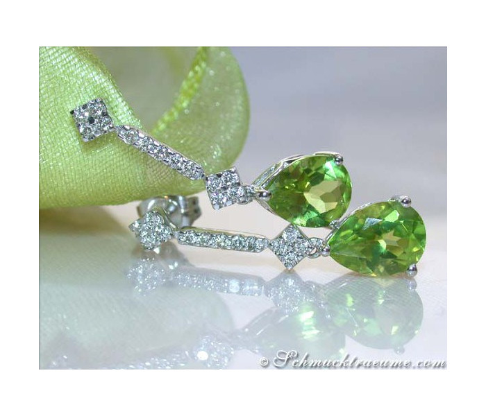 Timless Peridot Diamond Earrings