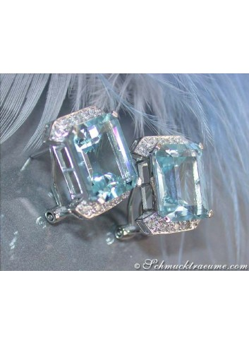 Pretty Aquamarine Earrings with Diamonds