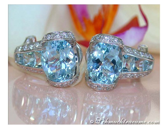 Gorgeous Aquamarine Diamond Earrings