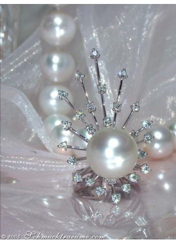 Bombastic Southsea Pearl Ring with Diamond Rays