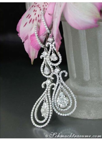 Beautiful Dangling Earrings with Diamonds (Illusion Design)