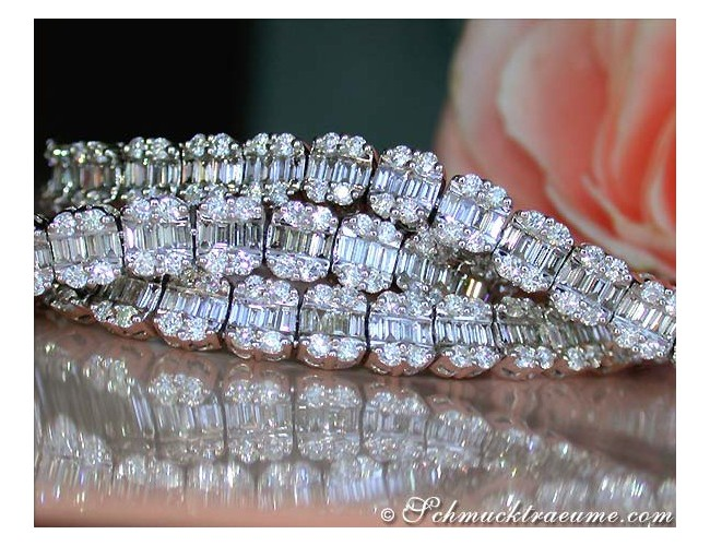 Exclusive Diamond Necklace (14.50 ct.)
